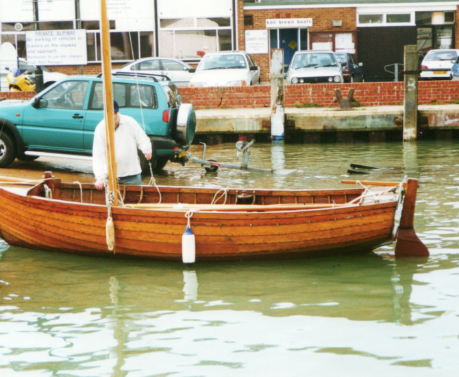 Traditional Gunter rig dinghy